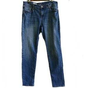 Kut from the Kloth Diana skinny Size 12 Med wash